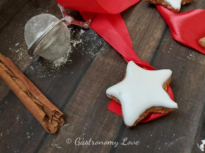 Zitmsterne:  stelle alla cannella di Natale