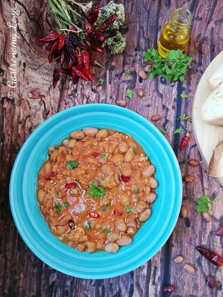 Fagioli alla messicana con salsiccia e peperoncino