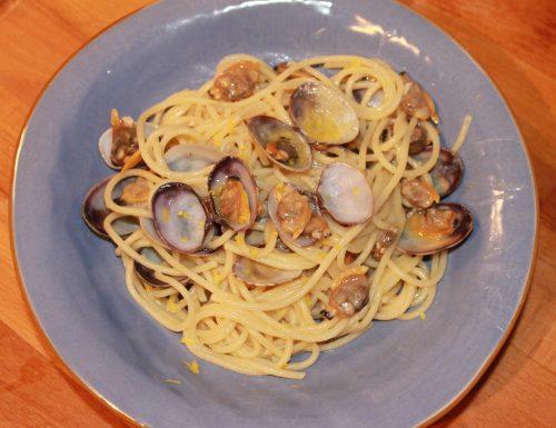 Spaghetti alle vongole veraci e limone
