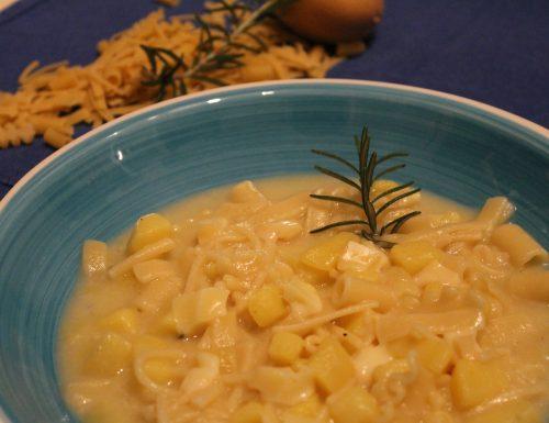Pasta mista con patate e provola