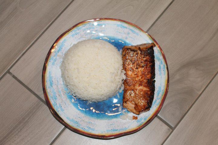 Salmone glassato al miele e salsa di soia