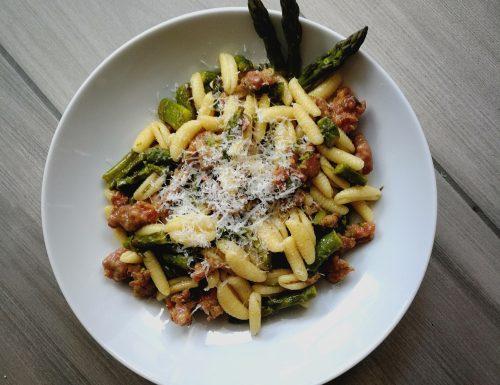 Malloreddus (gnocchetti sardi) con asparagi e salsiccia