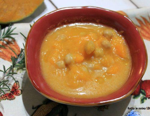 Zuppa di zucca e ceci con rosmarino