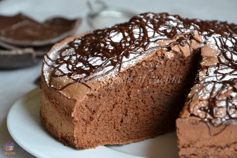 torta al cioccolato con uova di pasqua (1)