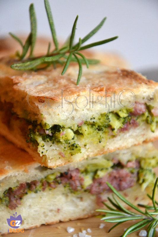 pizza ripiena con broccoli e salsiccia ravv