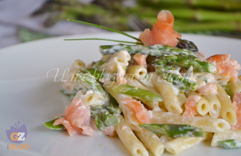 Pasta asparagi e salmone