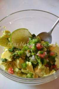 guacamole ingredienti da mischiare - 1