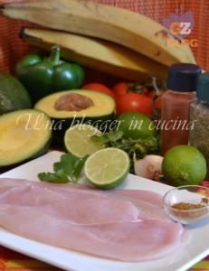 ingredienti pollo a la plancha con guacamole, tortilla chips e platano