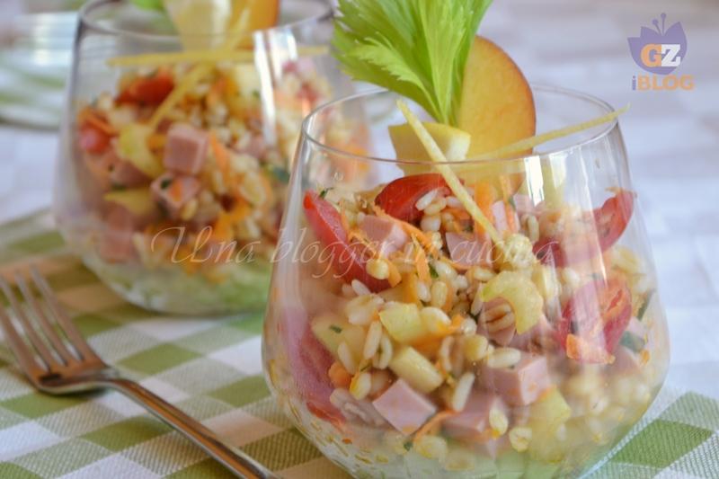 insalata di cereali nel bicchiere (1)