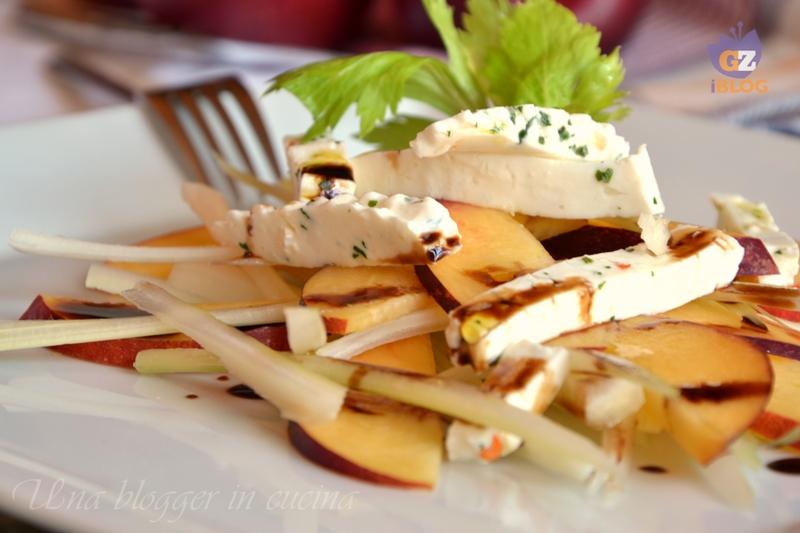 insalata di nettarine, sedano bianco e formaggio alle erbe (1)