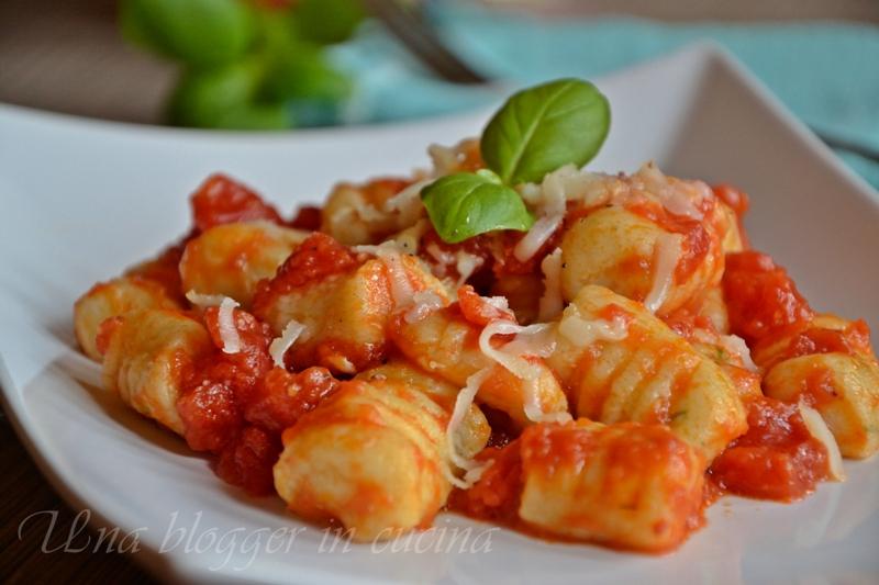 Gnocchi di ricotta e basilico con pomodoro - Cirio (3)