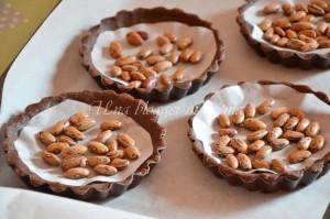 crostatine al cacao con crema al latte e more (2)