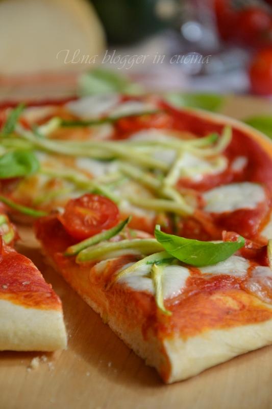 pizza zucchine scamorza ciliegini (4)