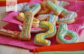 Biscotti numerino con ghiaccia reale