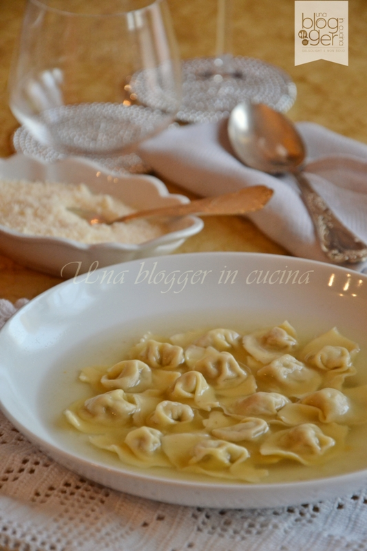 Cappelletti in brodo (12)