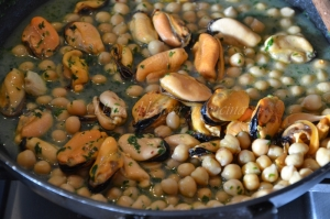 maltagliati cozze e ceci con pistacchi (4)