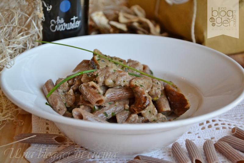penne al farro con porcini e salsiccia (1)