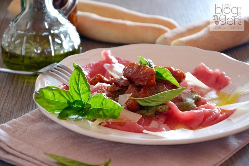 Carpaccio con salsa al basilico ortoqui (2)