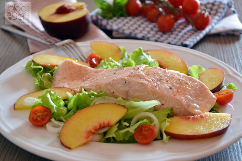 Salmone al vapore con insalatina di pesche (1)