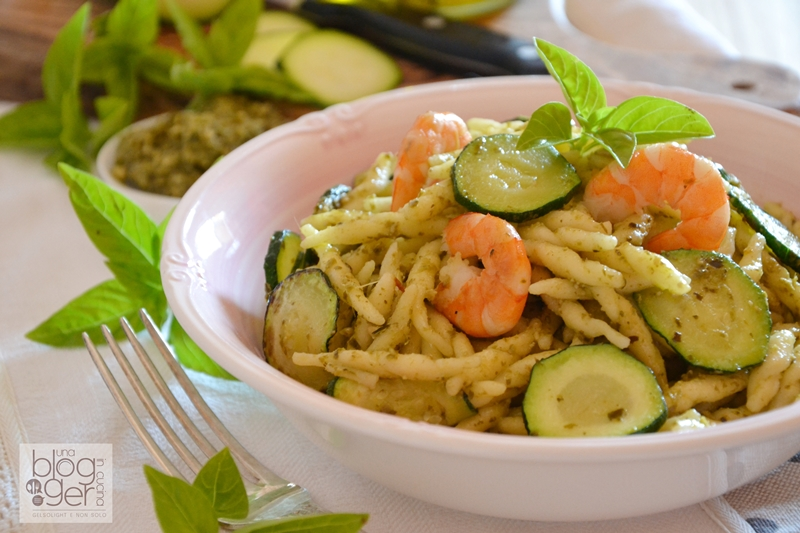 trofiette al pesto con gamberi e zucchine ortoqui (1)