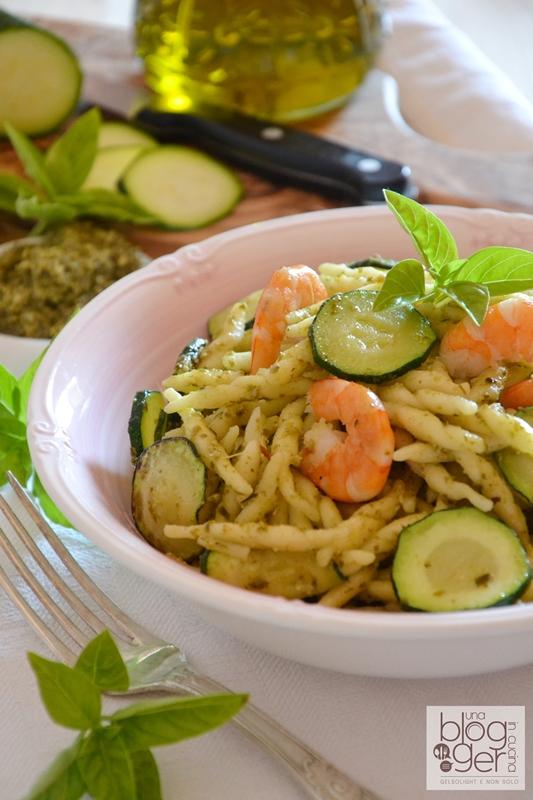 trofiette al pesto con gamberi e zucchine ortoqui (2)