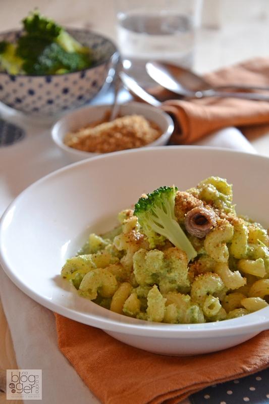 Pasta ammolliccata con crema di broccoli e alici (3)