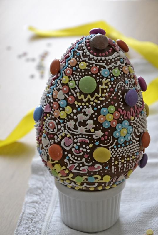 Uovo di cioccolato decorato - Uova di pasqua decorate per bambini ...