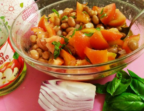 Fagioli borlotti e pomodori insalata fresca