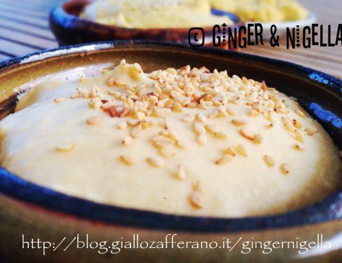 Falafel con hummus e crema di cicerchia.