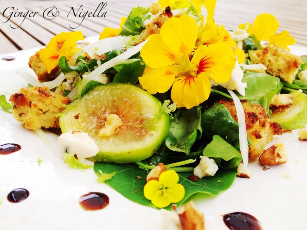 insalata autunnale, miglio, roquefort, noci, papaya verde,nasturzio