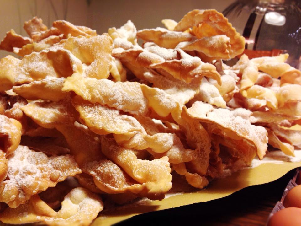 Chiacchere, lattughe, grostoli, frappe, cenci, Iginio Massari, Carnevale, Fritto