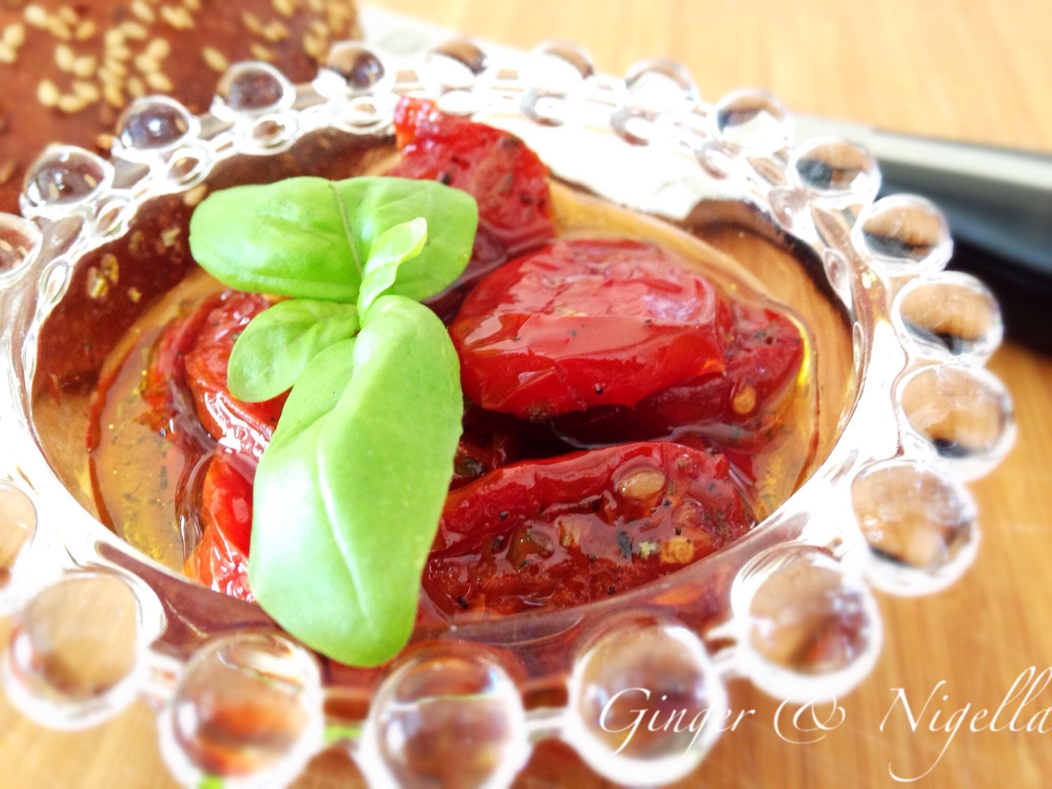 pomodori datterini confit, datterini, pomodorini, pomodoro al forno