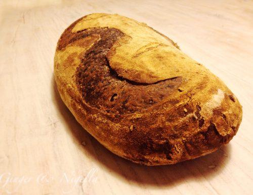 Pane nero con lievito madre ( di Renato Bosco) con farina per pane nero o di Tumminia.