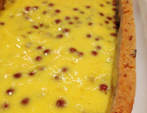 Crostata contrasto dolcesale con mousse al cioccolato caramellato