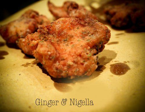 Bocconcini di pollo croccante al Nori: una tenera carne saporita dentro e croccante fuori.