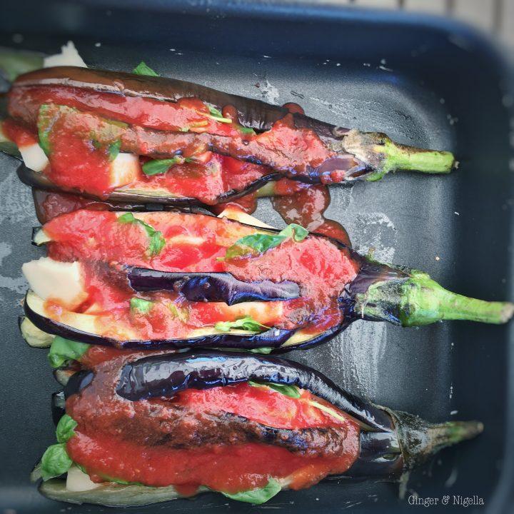 antipasto, basilico, caciocavallo, contorno, fritto, Mediterranea, melanzane, melanzane fritte, melanzane fritte alla mediterranea, Piatti estivi, pomodoro, vegetariano