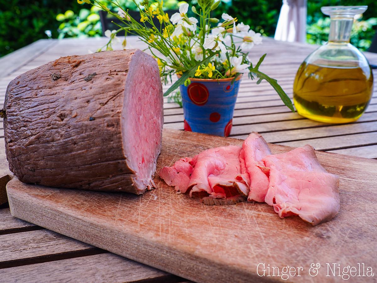roast beef cotto a bassa temperatura con riduzione di rucola - Cucinare A Bassa Temperatura
