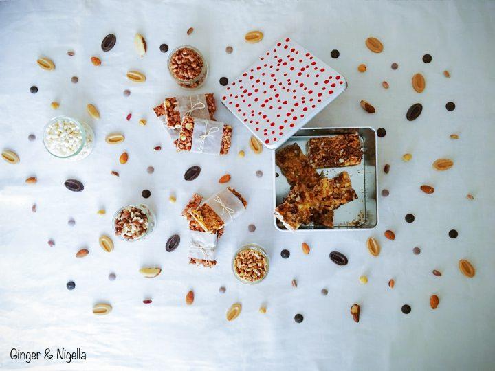 barrette, barrette al cioccolato, barrette energetiche, cioccolato, cioccolato fondente, croccante, dolce, energia, fitness, merenda, miele, nocciole, orzo soffiato, riso soffiato, snack, spezza fame, sport, Variations