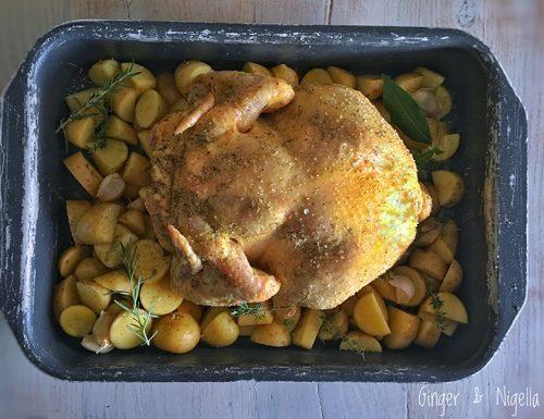 Pollo arrosto della domenica profumato al melograno e ripieno di mele Nashi