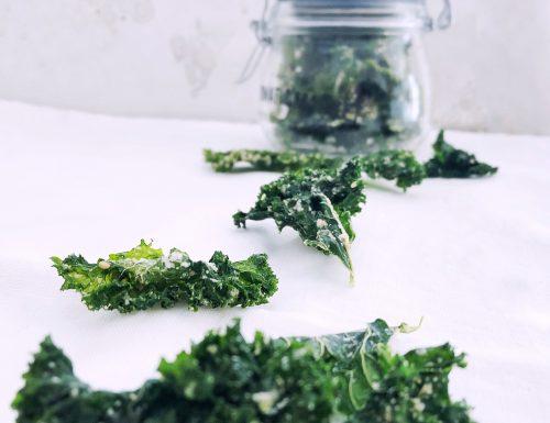 Chips di cavolo Kale: un aperitivo o uno snack che scrocchia!