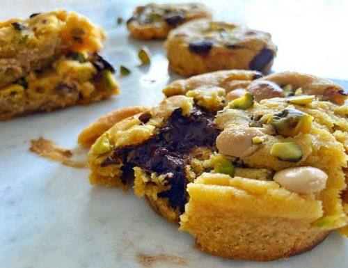 Devil Cookies con cuore fondente al cioccolato o al pistacchio