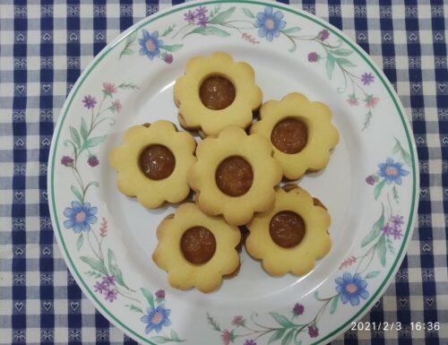 Biscotti di pasta frolla con marmellata
