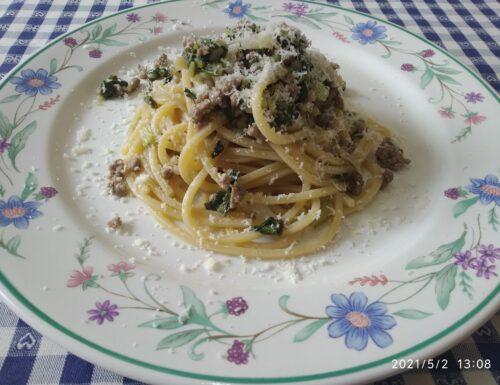 Spaghetti con lardo di colonnata e bietoline
