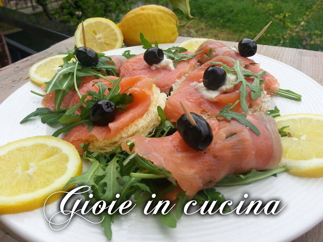 Antipasto misto con salmone affumicato