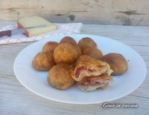 Bocconcini di pizza con cotto e formaggio