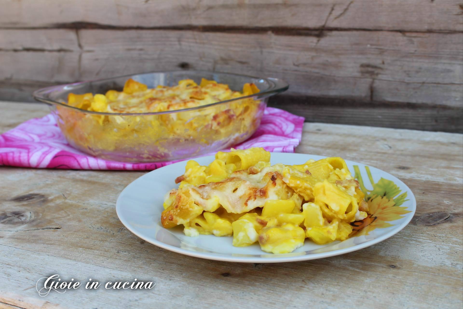 Pasta con lo zafferano patate e pancetta