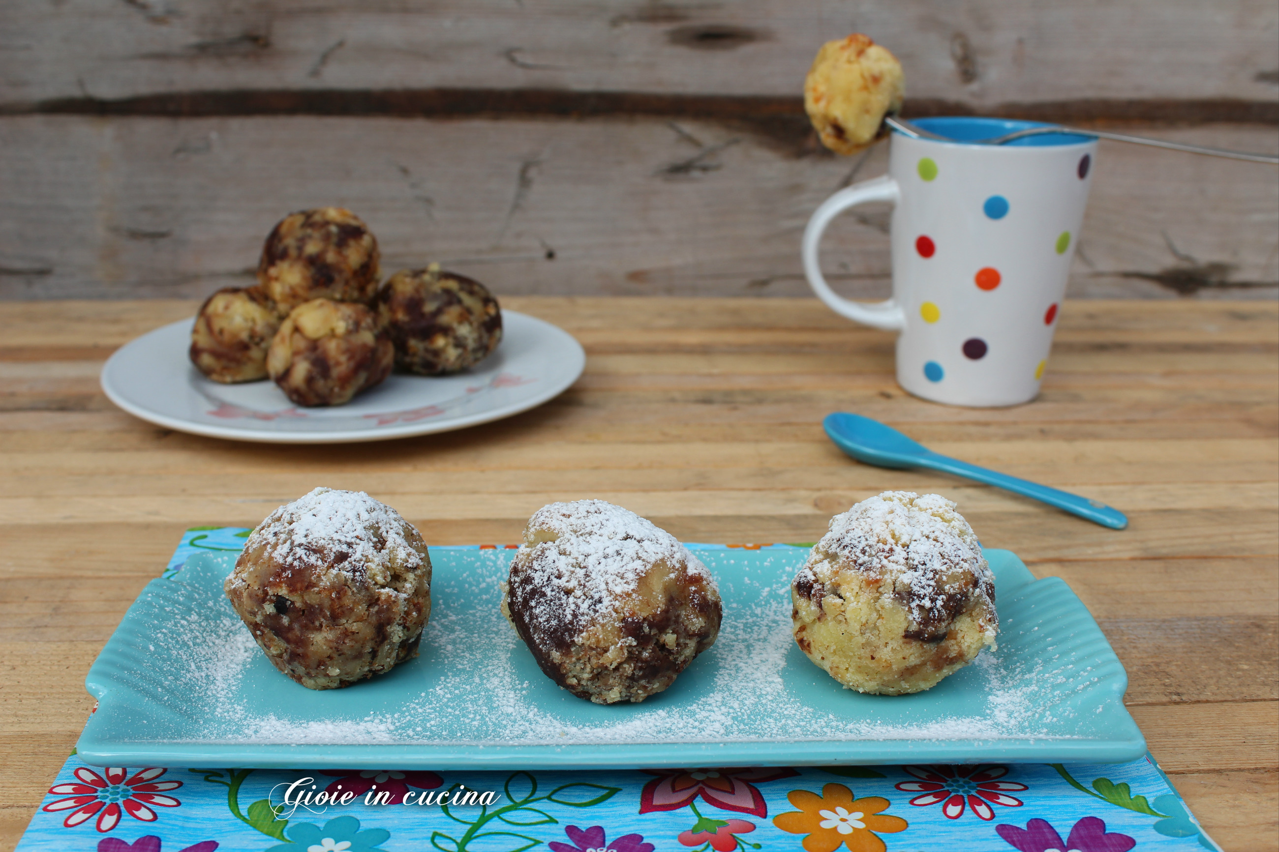 Polpette dolci con mascarpone e gocce di cioccolato