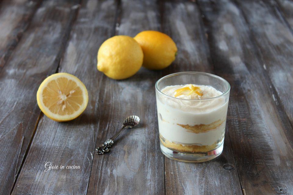 Dolce al cucchiaio con crema di mascarpone e limone