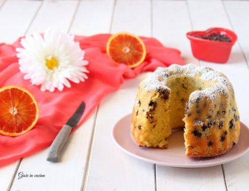 Ciambellone con arancia e cioccolato