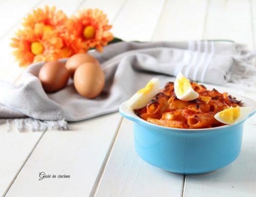 Pasta al forno con uova sode e mortadella